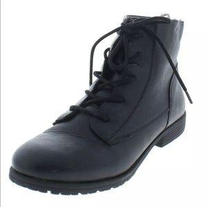 Qwinn Leather Boots